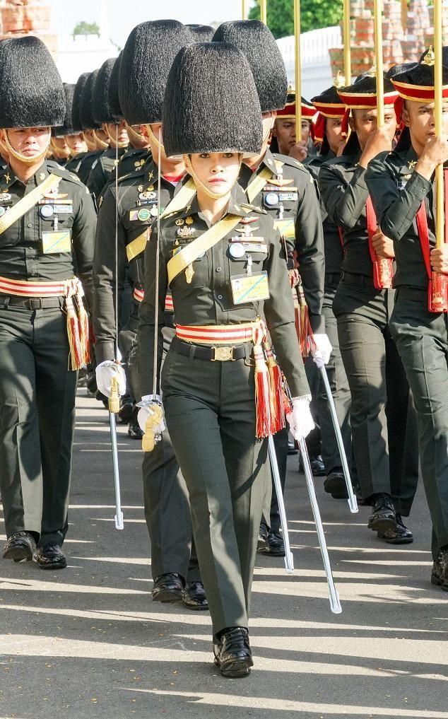 Cựu Hoàng phi Thái Lan nhắn nhủ điều gì trong thông điệp cuối cùng trước khi biến mất khỏi MXH? - Ảnh 5.