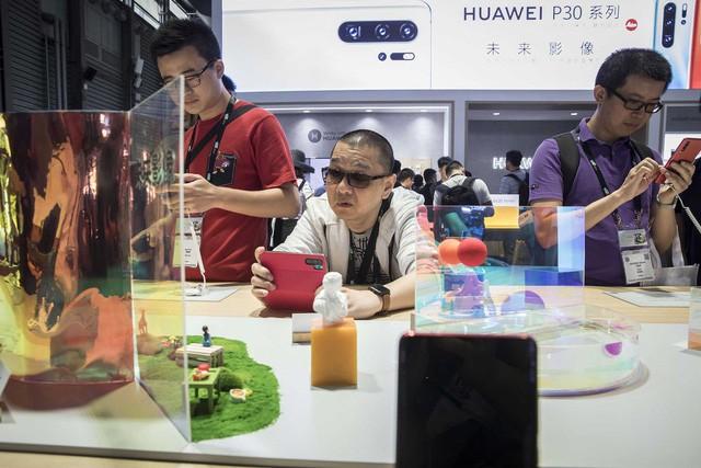 Ác mộng của các nhãn hiệu phương Tây ở Trung Quốc: Bị tẩy chay và quay lưng, người dùng không còn sính ngoại, chuyển sang đồ nhà để thể hiện lòng yêu nước - Ảnh 2.