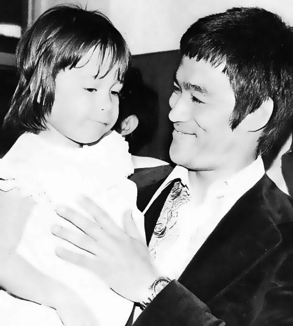 Con gái Lý Tiểu Long: Từ bỏ đam mê để thực hiện giấc mơ dang dở của bố và anh trai - ảnh 2