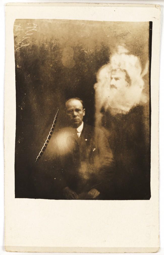 Từ bức ảnh chụp trúng vị khách không mời đến loạt sản phẩm gây rùng mình của người đàn ông từng được xem là bậc thầy bộ môn nhiếp ảnh - Ảnh 8.
