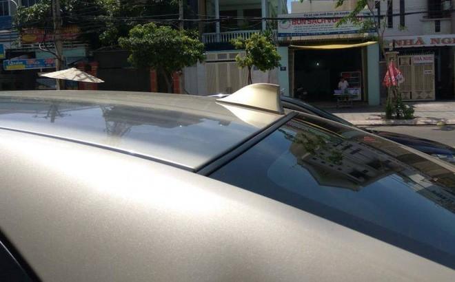 Ăng ten vây cá mập trên nóc ô tô có công dụng gì? - ảnh 1