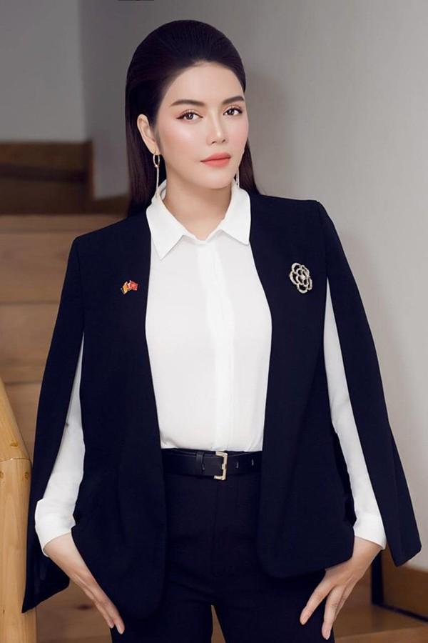 Nhan sắc hút hồn của Lý Nhã Kỳ - mỹ nhân Việt có đời tư bí ẩn nhất showbiz Việt - Ảnh 4.