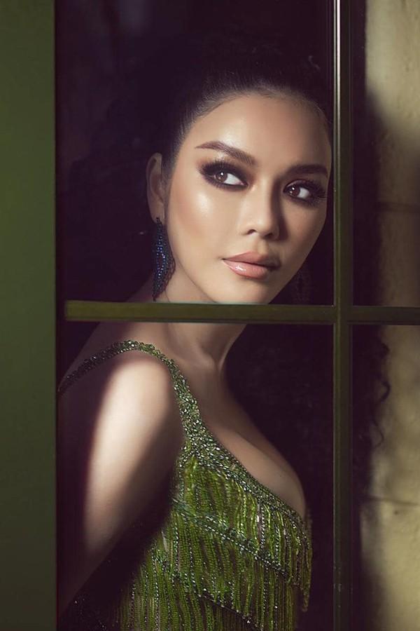 Nhan sắc hút hồn của Lý Nhã Kỳ - mỹ nhân Việt có đời tư bí ẩn nhất showbiz Việt - Ảnh 7.