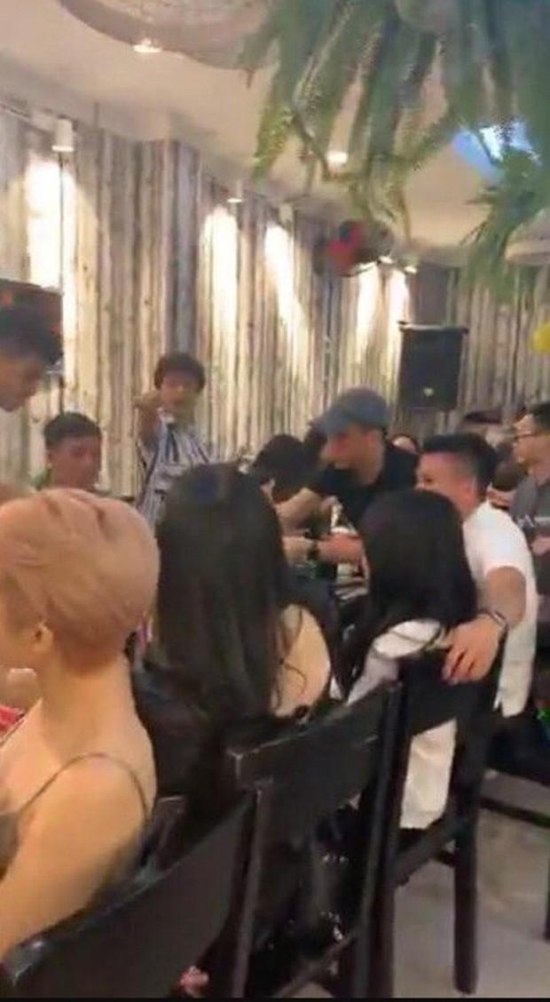 Cô gái được cho là bạn gái mới Quang Hải: Cao 1m52 và rất nóng bỏng, được báo Trung khen ngợi hết lời - Ảnh 1.