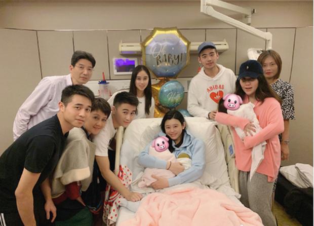 Tiết lộ chi phí sinh đẻ đắt đỏ nơi siêu mẫu Ming Xi hạ sinh cháu trai đích tôn cho gia tộc trùm sòng bạc Macau - Ảnh 2.