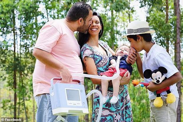 Người bố nhẫn tâm lấy gần 3,5 tỷ tiền ủng hộ chữa bệnh cho con để ăn chơi trác táng, bỏ mặc con trai qua đời thương tâm - Ảnh 3.
