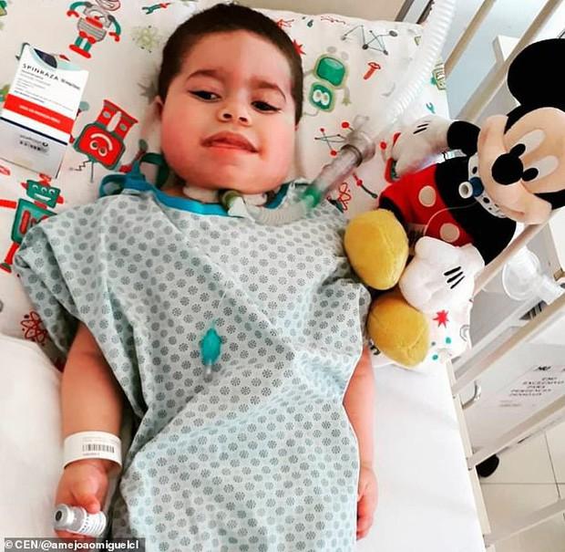 Người bố nhẫn tâm lấy gần 3,5 tỷ tiền ủng hộ chữa bệnh cho con để ăn chơi trác táng, bỏ mặc con trai qua đời thương tâm - Ảnh 5.