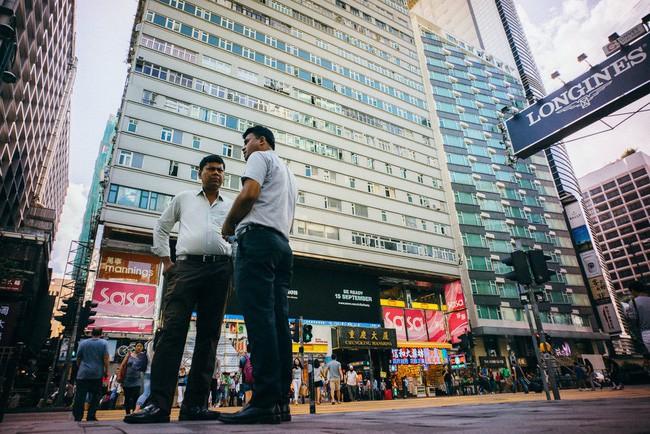 Chú rể Nam Á ở Hong Kong: Những người đàn ông nghèo khổ đi theo cuộc hôn nhân sắp đặt và bị gia đình vợ đánh đập, bóc lột không khác gì nô lệ - Ảnh 6.