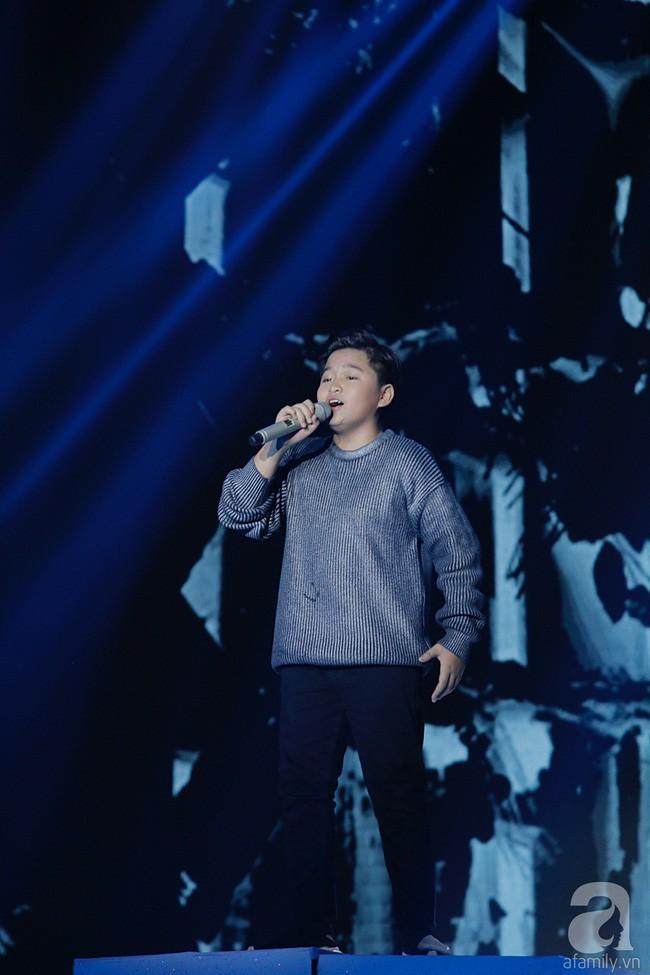 Hương Giang chia sẻ xúc động sau sự cố đọc nhầm kết quả tại Giọng hát Việt nhí - Ảnh 3.