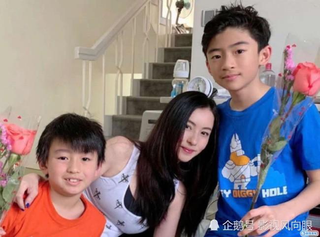 Trương Bá Chi lần đầu khoe con trai sau 1 năm giấu kín - Ảnh 3.