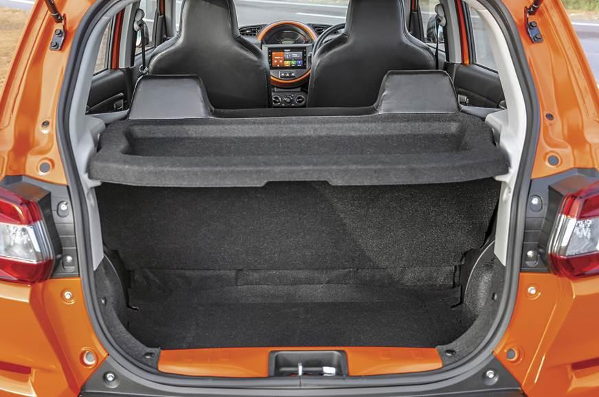 Hình ảnh thực tế bên trong chiếc ô tô siêu rẻ, giá chỉ 120 triệu đồng - Ảnh 6.