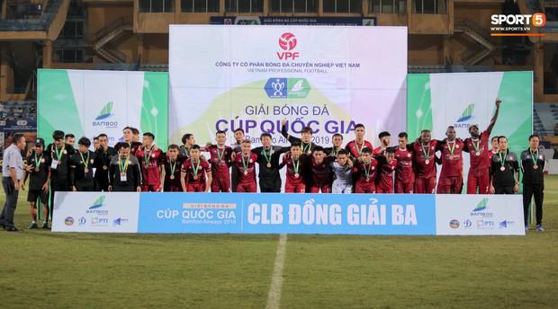 Trợ lý người Hàn Quốc khóc nức nở, không phục thất bại trước Hà Nội FC ở bán kết Cúp Quốc gia 2019 - Ảnh 15.
