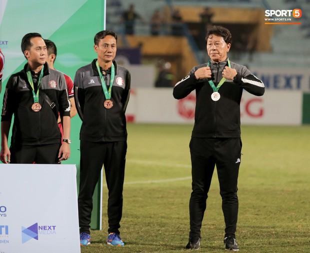 Trợ lý người Hàn Quốc khóc nức nở, không phục thất bại trước Hà Nội FC ở bán kết Cúp Quốc gia 2019 - Ảnh 16.