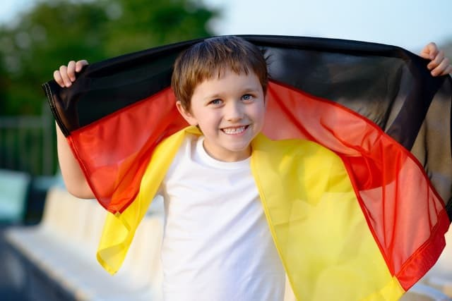 Không học chữ và số, trẻ em Đức được dạy gì ở trường mầm non? Câu trả lời khiến nhiều phụ huynh Việt sửng sốt - Ảnh 1.