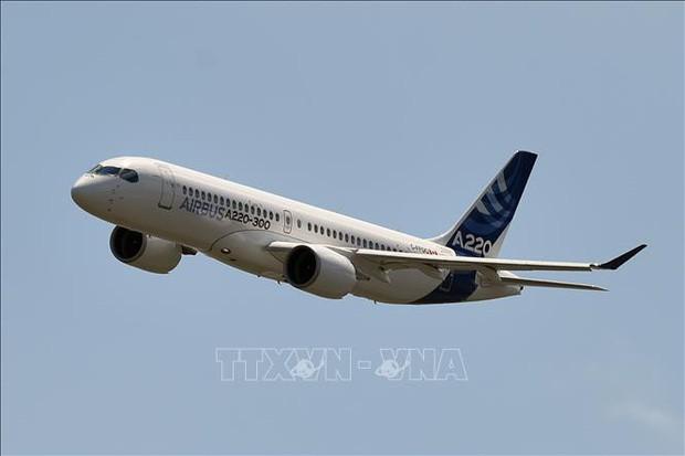 Cảnh báo sự cố động cơ của Airbus A220 khi đạt độ cao hơn 10.000 mét - Ảnh 1.