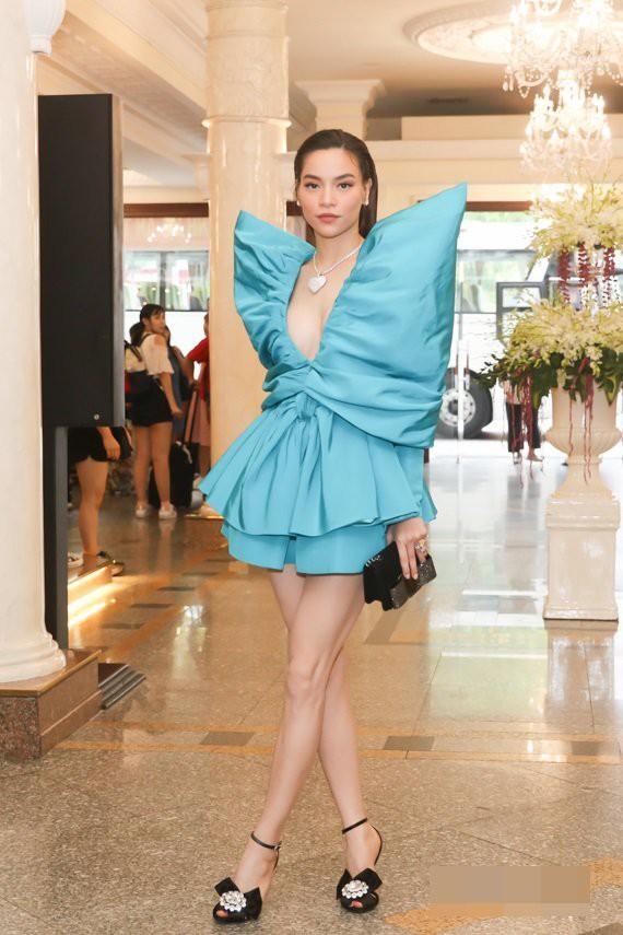 Hồ Ngọc Hà nối gót Phượng Chanel photoshop quá lố đến mất luôn đầu gối gân guốc - Ảnh 3.