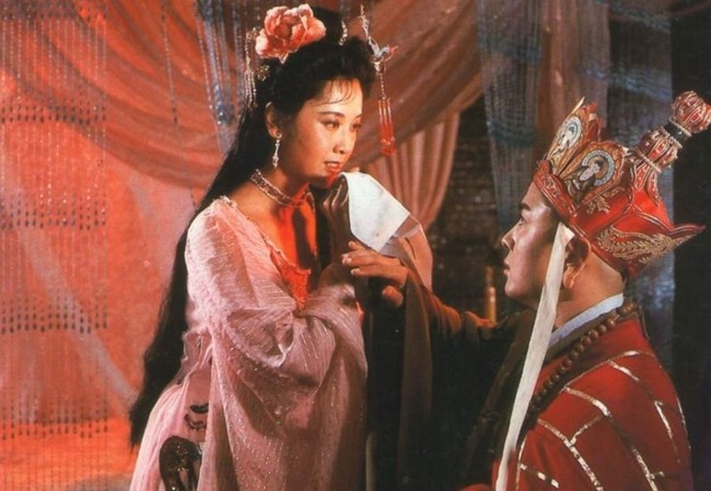 Cuộc sống bí ẩn của mỹ nhân được chọn đóng cảnh nóng nhất trong Tây Du Ký 1986 - Ảnh 3.
