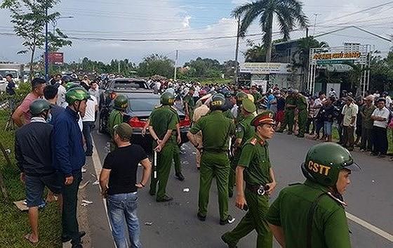 Giám đốc gọi giang hồ vây chặn xe công an bị khởi tố vì tội trốn thuế - Ảnh 3.