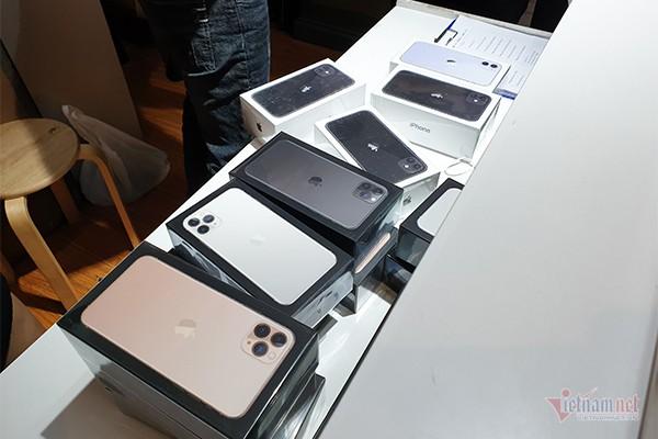 Giá iPhone 11, iPhone 11 Pro tại Việt Nam giảm sốc 5 triệu đồng - Ảnh 1.