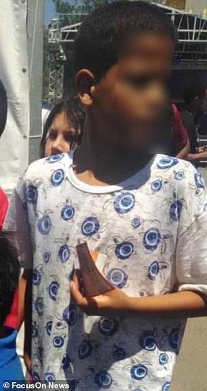 Bé gái 9 tuổi mắc chứng tự kỷ bị xâm hại và đánh đập đến chết, hình ảnh cuối cùng của em tố cáo tên hung thủ chỉ mới 12 tuổi - Ảnh 4.
