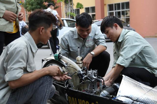 Tự hào chiếc xe Made in Việt Nam, chạy hơn 1.000 km chỉ tốn một lít xăng - Ảnh 10.