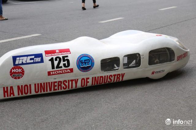 Tự hào chiếc xe Made in Việt Nam, chạy hơn 1.000 km chỉ tốn một lít xăng - Ảnh 11.