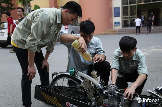 Tự hào chiếc xe Made in Việt Nam, chạy hơn 1.000 km chỉ tốn một lít xăng - Ảnh 12.