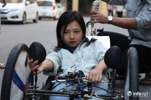 Tự hào chiếc xe Made in Việt Nam, chạy hơn 1.000 km chỉ tốn một lít xăng - Ảnh 13.
