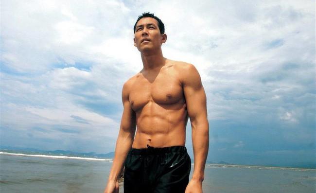 Ông chú hoàng kim Lee Jung Jae: Từ lương duyên tiếc nuối cùng nữ hoàng phim nóng tới tình yêu ồn ào tuổi 46 với vợ cũ của Thái tử Samsung  - Ảnh 4.