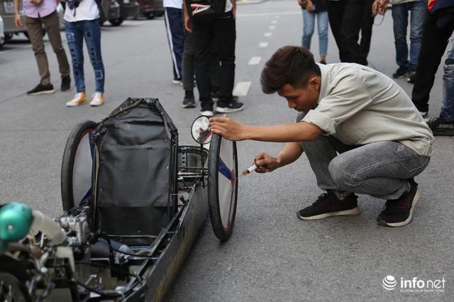 Tự hào chiếc xe Made in Việt Nam, chạy hơn 1.000 km chỉ tốn một lít xăng - Ảnh 8.