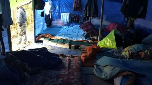 [ẢNH, VIDEO] Những người Việt sống mòn trong trại tị nạn ở Pháp: Sợ lắm, nhưng đâm lao thì phải theo lao thôi... - Ảnh 7.