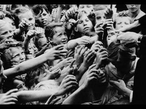 Kiệt quệ sau chiến tranh, Đức trỗi dậy thành siêu cường như thế nào? - Ảnh 1.