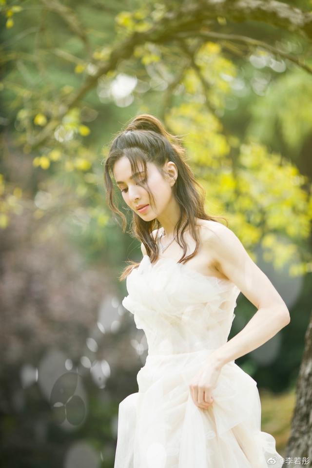 Tiểu Long Nữ kinh điển: Đau khổ, trầm cảm vì bị đại gia ruồng bỏ, mơ thành cô dâu ở tuổi U50 - ảnh 10