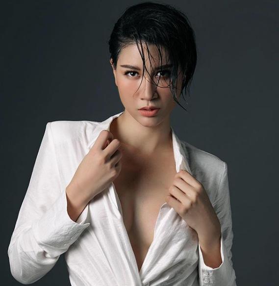 Bất ngờ trước vẻ nữ tính và bốc lửa của Trang Trần - ảnh 8