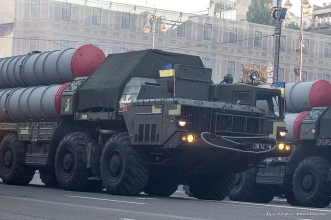 Ukraine bất ngờ khai hỏa S-300 dữ dội sát bán đảo Crimea - ảnh 12