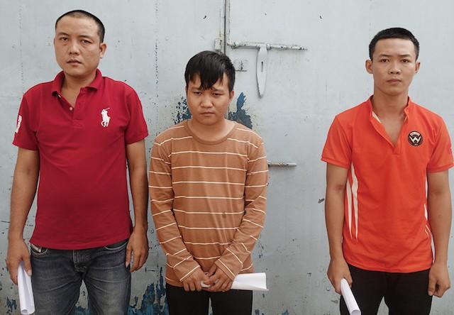 Đột kích tiệm sửa xe, cảnh sát bắt nhóm thanh niên sản xuất và lưu hành hàng chục triệu đồng tiền giả - Ảnh 1.