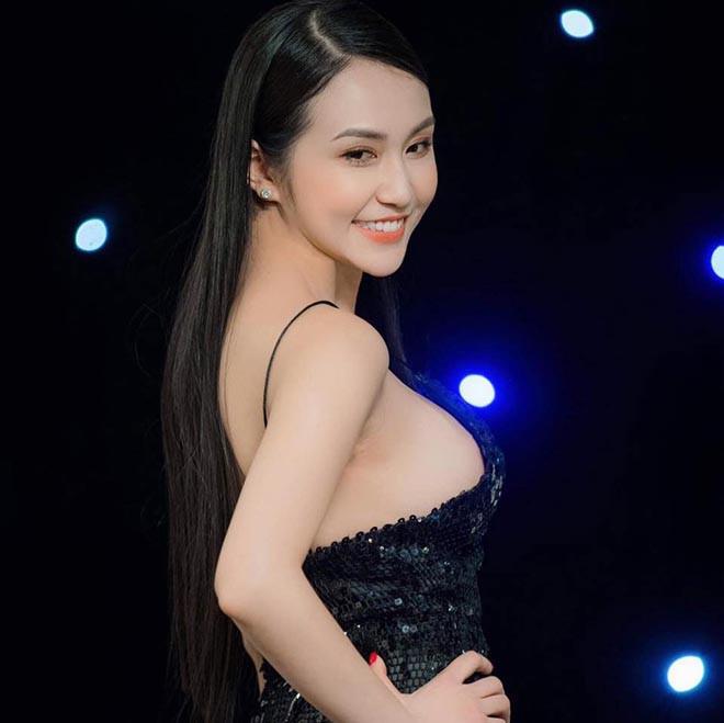 Vóc dáng gây chú ý của bà xã Tuấn Hưng sau gần 3 tháng sinh con thứ 3 - ảnh 5