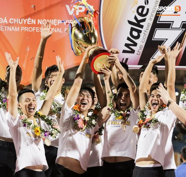 Chung kết Cúp QG 2019: Hà Nội FC thống trị tuyệt đối bóng đá Việt và chuyện dành cả thanh xuân để vô địch - Ảnh 1.