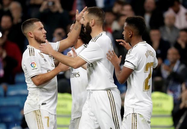 Tân binh đắt giá cuối cùng cũng chịu nổ súng, Real Madrid vùi dập đối thủ để áp sát ngôi đầu của Barcelona - Ảnh 4.