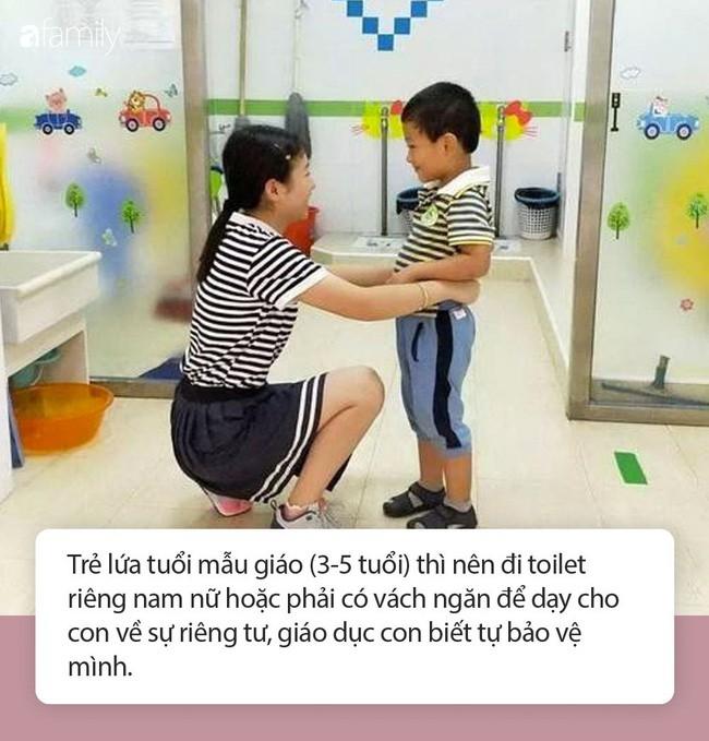Cô giáo gửi ảnh con gái 4 tuổi trong nhà vệ sinh, người mẹ vô cùng tức giận cùng ban phụ huynh gặp ngay hiệu trưởng - Ảnh 4.