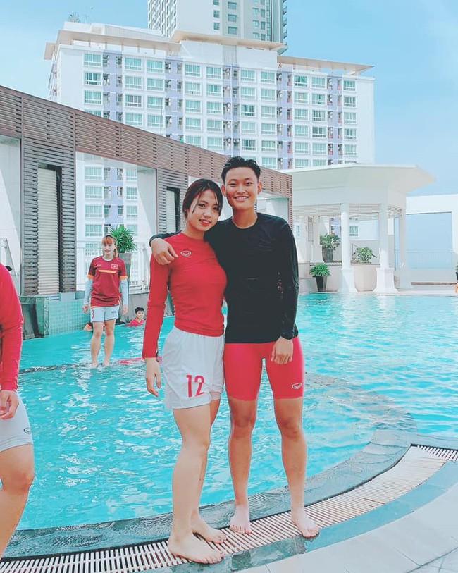 Cư dân mạng phát sốt với nữ cầu thủ hot girl của đội tuyển U19 Việt Nam, đã xinh lại còn đá bóng giỏi - Ảnh 6.