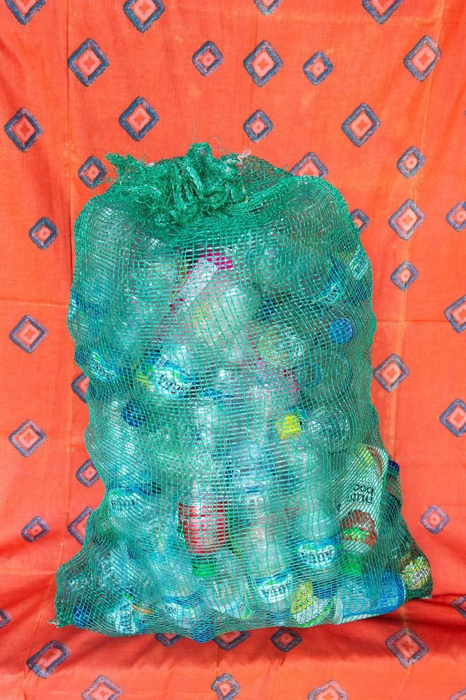 Dự án biến nhựa thành đơn vị tiền tệ, vừa giải quyết được vấn nạn rác lại tạo ra nguồn sống cho vô số người nghèo - Ảnh 5.