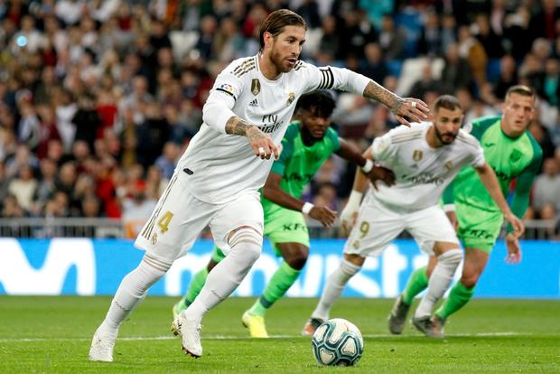 Tân binh đắt giá cuối cùng cũng chịu nổ súng, Real Madrid vùi dập đối thủ để áp sát ngôi đầu của Barcelona - Ảnh 7.
