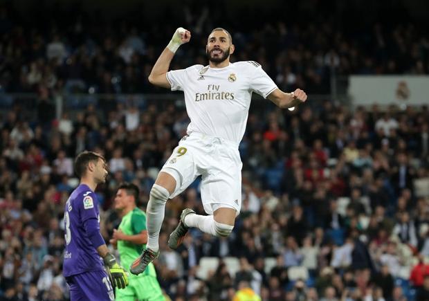 Tân binh đắt giá cuối cùng cũng chịu nổ súng, Real Madrid vùi dập đối thủ để áp sát ngôi đầu của Barcelona - Ảnh 8.