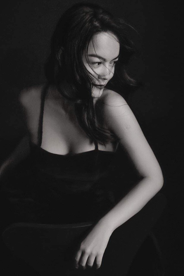 Phạm Quỳnh Anh tung clip đang bơi đầy gợi cảm, quyến rũ - ảnh 1