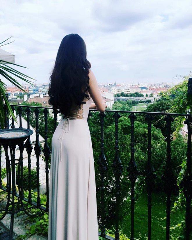 Mái tóc dài kỉ lục và ảnh bikini gợi cảm của vợ shark Hưng thời thi hoa hậu - Ảnh 12.