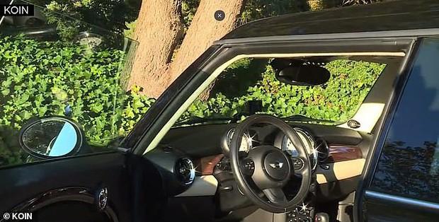 Biểu cảm hết hồn của thanh niên trộm xe khi phát hiện đang bị camera ghi hình khiến dân mạng không nhịn được cười - Ảnh 3.