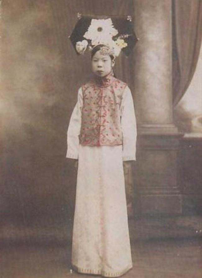 """Cuộc mặc cả chưa từng tiết lộ và cách """"bật"""" bài bản của cô vợ nổi tiếng lịch sử dám chủ động ly hôn rồi đòi tiền từ chồng Hoàng đế - Ảnh 4."""