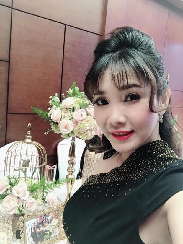 Chân dung người vợ kém 8 tuổi, kín tiếng của Cao Minh Đạt - cậu Ba Duy khét tiếng trong Tiếng sét trong mưa - Ảnh 4.