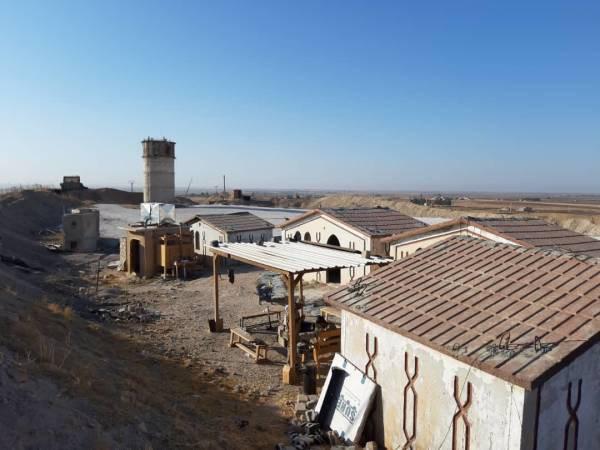 Lính Mỹ bất ngờ tháo chạy khỏi miền Bắc Syria, bỏ mặc đồng minh - Thổ Nhĩ Kỳ chuẩn bị khai đao - Ảnh 10.